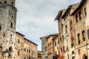 San Gimignano Discovery Guide thumbnail